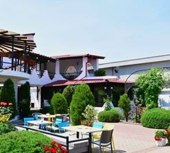 Restaurant Akua Garden
